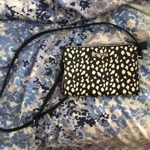 Kenneth cole reaction side purse